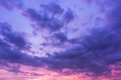 Achtergrond van de Schemering van Cumuluswolken Stock Afbeeldingen