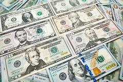 Achtergrond van 100 dollarsrekeningen Bi van geld Amerikaans honderd dollars Stock Foto