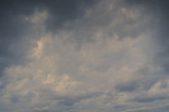 Achtergrond van donkere wolken Stock Foto