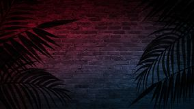 Achtergrond van een lege gang met bakstenen muren en neonlicht Bakstenen muren, neonstralen en gloed royalty-vrije stock afbeelding
