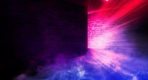 Achtergrond van een lege zwarte gang met neonlicht Abstracte achtergrond met lijnen en gloed stock afbeelding