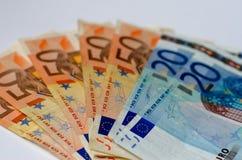 Achtergrond van euro rekeningen Ondiepe nadruk Stock Foto