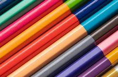 Achtergrond van gekleurde houten potloden voor de creativiteit van kinderen Close-up royalty-vrije stock foto's