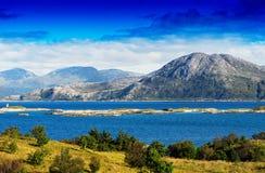 Achtergrond van het de eilandenlandschap van Noorwegen de noordelijke Royalty-vrije Stock Foto's