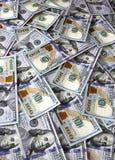 Achtergrond van honderd Amerikaanse dollar bankbiljetten Royalty-vrije Stock Afbeelding