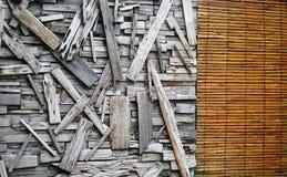 Achtergrond van Houten Muur met Hersteld Planken en Gordijn royalty-vrije stock afbeeldingen