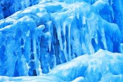 Achtergrond van ijs en ijskegels Stock Afbeelding