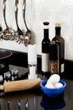 Achtergrond van moderne keuken en eieren Stock Foto's