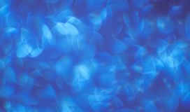 Achtergrond van mooi blauw met witte bokeh achtergronden en abstracties stock afbeelding