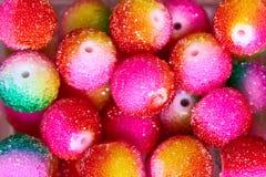 Achtergrond van multi-colored parelsclose-up stock foto's