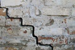 Achtergrond van oude gebarsten bakstenen muur Stock Fotografie