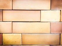 Achtergrond van oude uitstekende bakstenen muur Stock Afbeeldingen