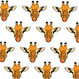 Achtergrondpatroon met kleurrijke hand getrokken giraf Royalty-vrije Stock Foto's