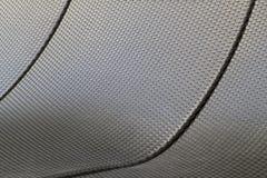 Achtergrondtextuur van donkere die sunbeds van het plastic weven wordt gemaakt Royalty-vrije Stock Afbeelding