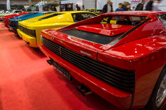 Achtermening van diverse wijzigingen van sportwagens Ferrari Testarossa en F512 royalty-vrije stock afbeelding