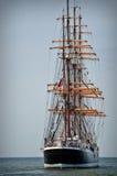 Achtern des Segelboots Stockfotografie
