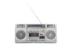 achtziger Jahre silbernes Radioghettoblaster mit der Antenne oben lokalisiert auf Weiß Stockfotografie