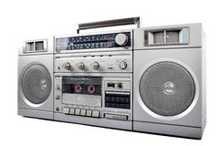 achtziger Jahre silbernes Retro-, Ghettoblaster und Kopfhörer lokalisiert auf Weiß Rechte Seite Lizenzfreie Stockbilder