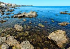 Aci Trezza Faraglioni, costa de Sicilia Fotografía de archivo libre de regalías
