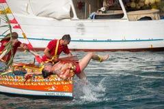 ACI TREZZA, ITALIEN - JUNI, 24 2014 - traditionelle Paradefeier San Giovanni Stockbilder