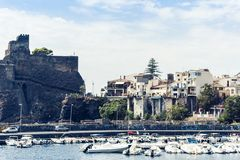 "Acicastello†""oud Normandisch kasteel in Acitrezza, Catanië, Sicilië, Italië royalty-vrije stock afbeelding"