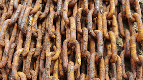 Acier sale de vieille texture rouillée en gros plan de chaînes Image stock