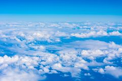 Acima das nuvens - o Skyscape fotos de stock royalty free