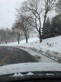 Acima de adiante em à curvatura nevado Fotografia de Stock Royalty Free