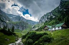 Acima nas montanhas Imagens de Stock