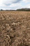 Ackerland Furchen auf Ackerland Stockfoto