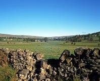 Ackerland, Malham, Yorkshire-Täler Lizenzfreie Stockfotos