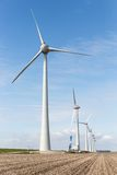Ackerland mit Bauarbeit am größten windfarm der Niederlande Lizenzfreie Stockfotos