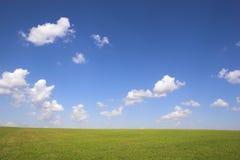Ackerland und Felder Stockfoto