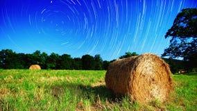 Ackerland und Sterne Stockfotografie