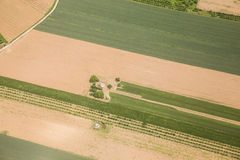 Ackerland in Voijvodina fotografierte von der Luft Stockfotografie