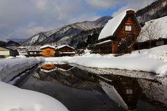 Ackerland - Winter - Märchenland - exotisches Japan - versteckter Edelstein Stockfoto