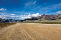 Aclare más en el transporte Safari Manali Himalayan a Leh, Ladakh, la India fotos de archivo