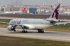 A7-ACM airbus εναέριων διαδρόμων του Κατάρ A330 Στοκ φωτογραφία με δικαίωμα ελεύθερης χρήσης