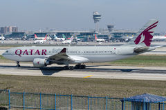 A7-ACM Qatar Airways, Airbus A330-202 Image libre de droits