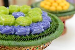 Acode el postre dulce de Khanom Chan Thai de la torta en forma color de rosa Fotografía de archivo libre de regalías