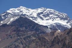Aconcagua-Bergspitze mit klarem blauem Himmel argentinien Stockbild