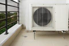 Acondicionador de aire exterior Fotos de archivo libres de regalías