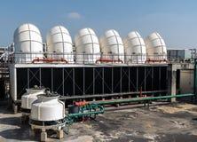 Acondicionador de aire industrial en el tejado Imagen de archivo libre de regalías