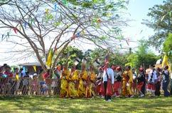 Acontecimiento tradicional de Manau de la tribu de Kachin para adorar a dios Imágenes de archivo libres de regalías