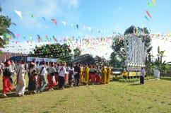 Acontecimiento tradicional de Manau de la tribu de Kachin para adorar a dios Fotos de archivo