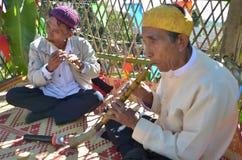 Acontecimiento tradicional de Manau de la tribu de Kachin para adorar a dios Fotografía de archivo