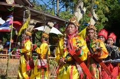 Acontecimiento tradicional de Manau de la tribu de Kachin para adorar a dios Fotos de archivo libres de regalías