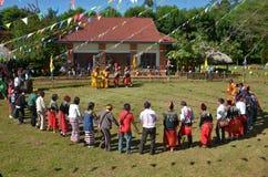 Acontecimiento tradicional de Manau de la tribu de Kachin para adorar a dios Imagen de archivo