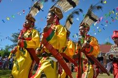 Acontecimiento tradicional de Manau de la tribu de Kachin para adorar a dios Imagenes de archivo