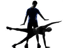 Acople o homem da mulher que exercita o exercício Fotos de Stock